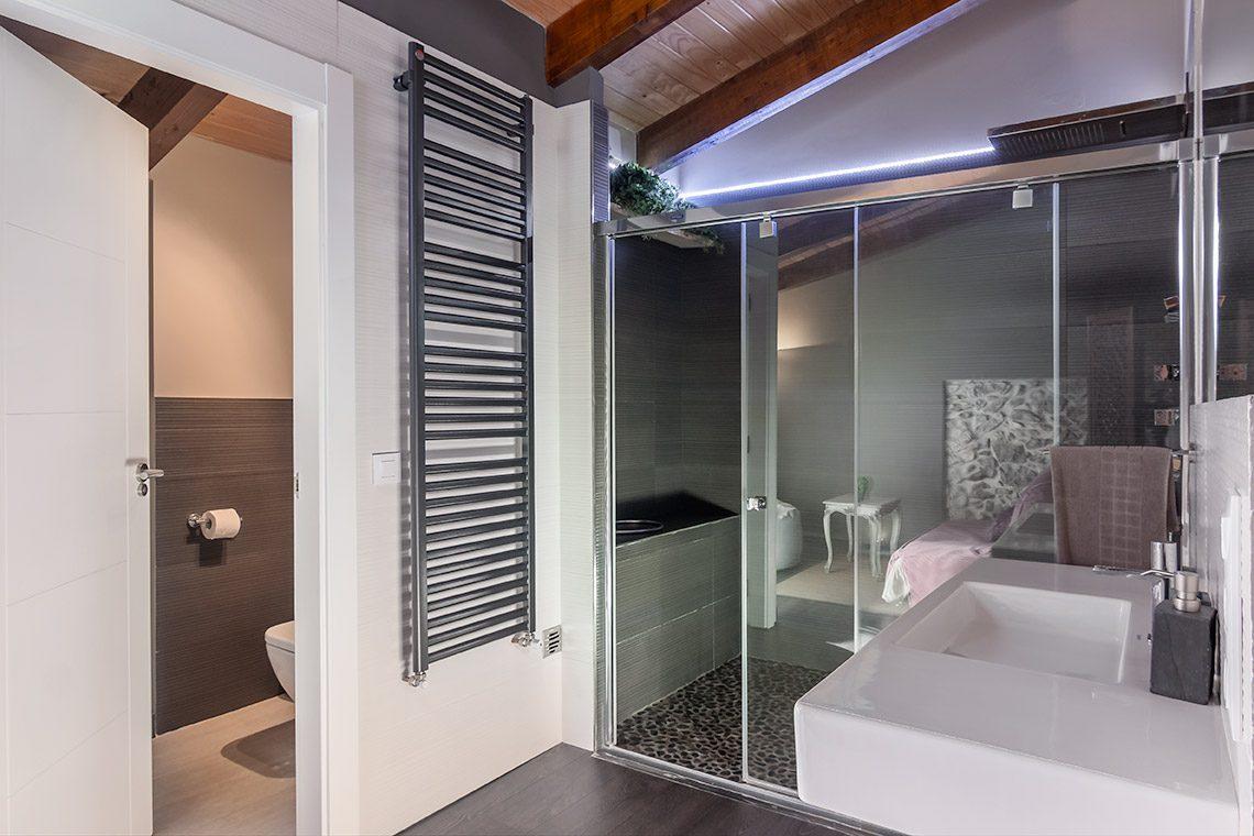 Suite Gris Baño